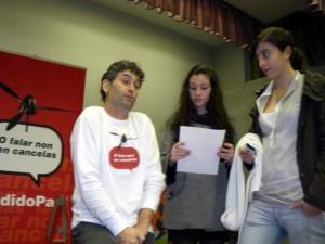 Cándido Pazó entrevistado por Antía López e Sara Sequeiros