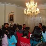No salón de Villa Florentina seguindo as explicacións da monitora. Moitas grazas á asociación Wencesla Fernández Flórez polas súas atencións.