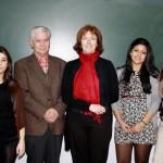 Emilio Gómez, a profesora Carmen García-Rodeja, e as alumnas Carlota Caramés, Macarena Farías e Gleicielly Guimarães