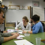 Rocío y Montse traballando arreo na clase