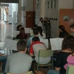 Os alumnos de música de 1º de BACH. B preparándose para a súa actuación. Moitas grazas a eles e a Marián pola súa colaboración