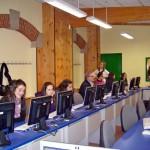 En la sala de multimedia del instituto