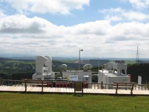 Vista xeral das instalacións de produción de hidróxeno a partir da auga mediante a rotura da molécula de auga, usando enerxía sobrante procedente do parque eólico.